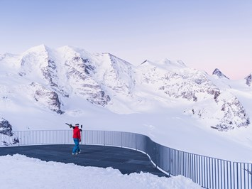 Kulm Hotel St. Moritz Ausflugsziele Winter - Early Bird Skiing Sessions